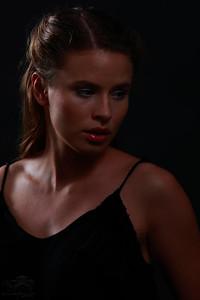 Dark Portrait III — Sötét portré III.