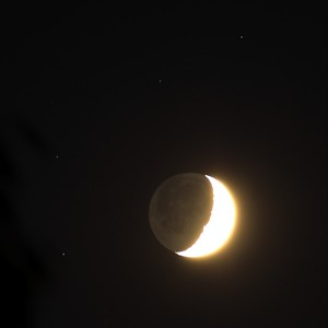 Moon with Stars-8-11-2013-astrotracker