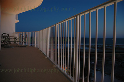 DSC_0106-l-u-balcony at night