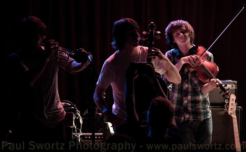 "Photo by <a href=""http://www.paulswortz.com"">Paul Swortz</a>"