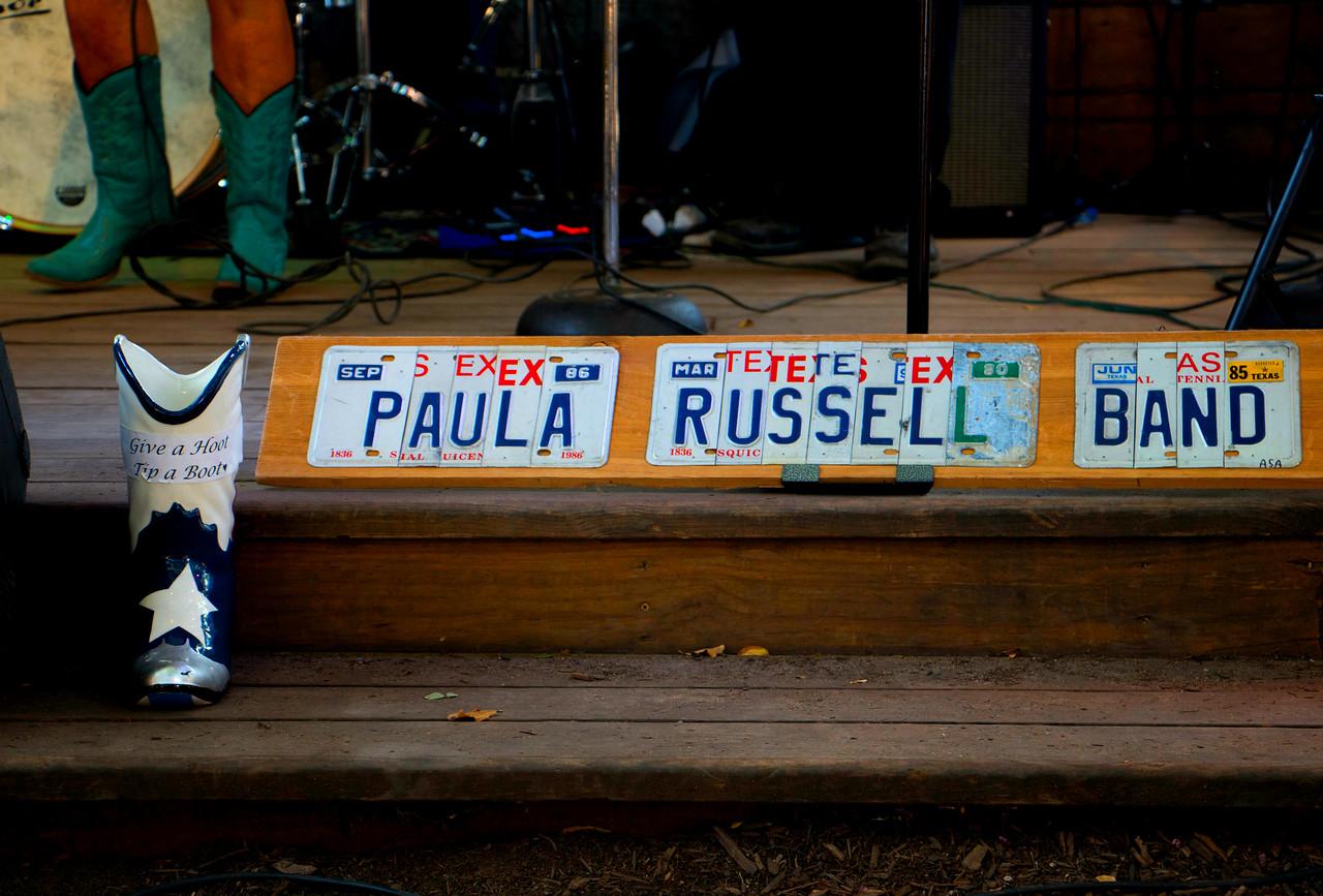 Paula_Russell_Band_Sign