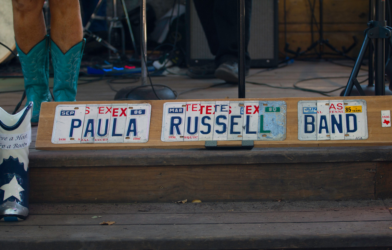 Paula_Russell_Sign2