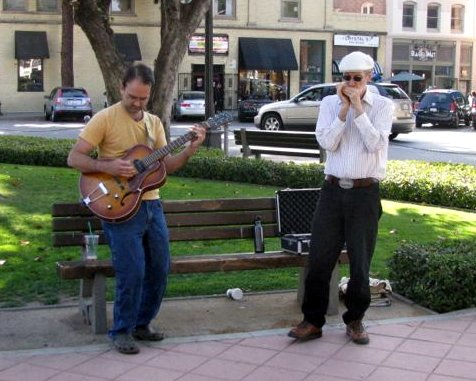 Oliver and me busking in Orange - May 26, 2013.  Photo by Rob Cluff.