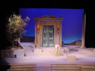 medea production2 001