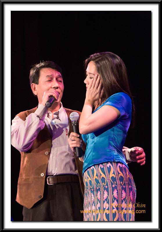 Duet of Khin Manug Htoo and Connie.