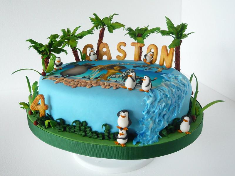 Madagascar - Imagen enriquecida con pastillaje, pasta de goma y modelar.