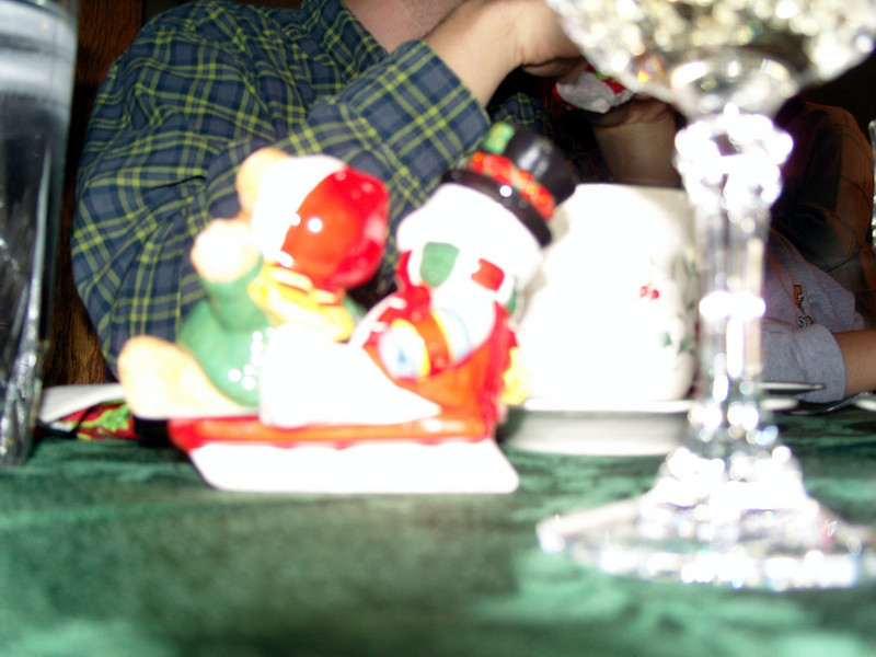 The salt and pepper shaker. (again Stephan needs supervision with the camera)