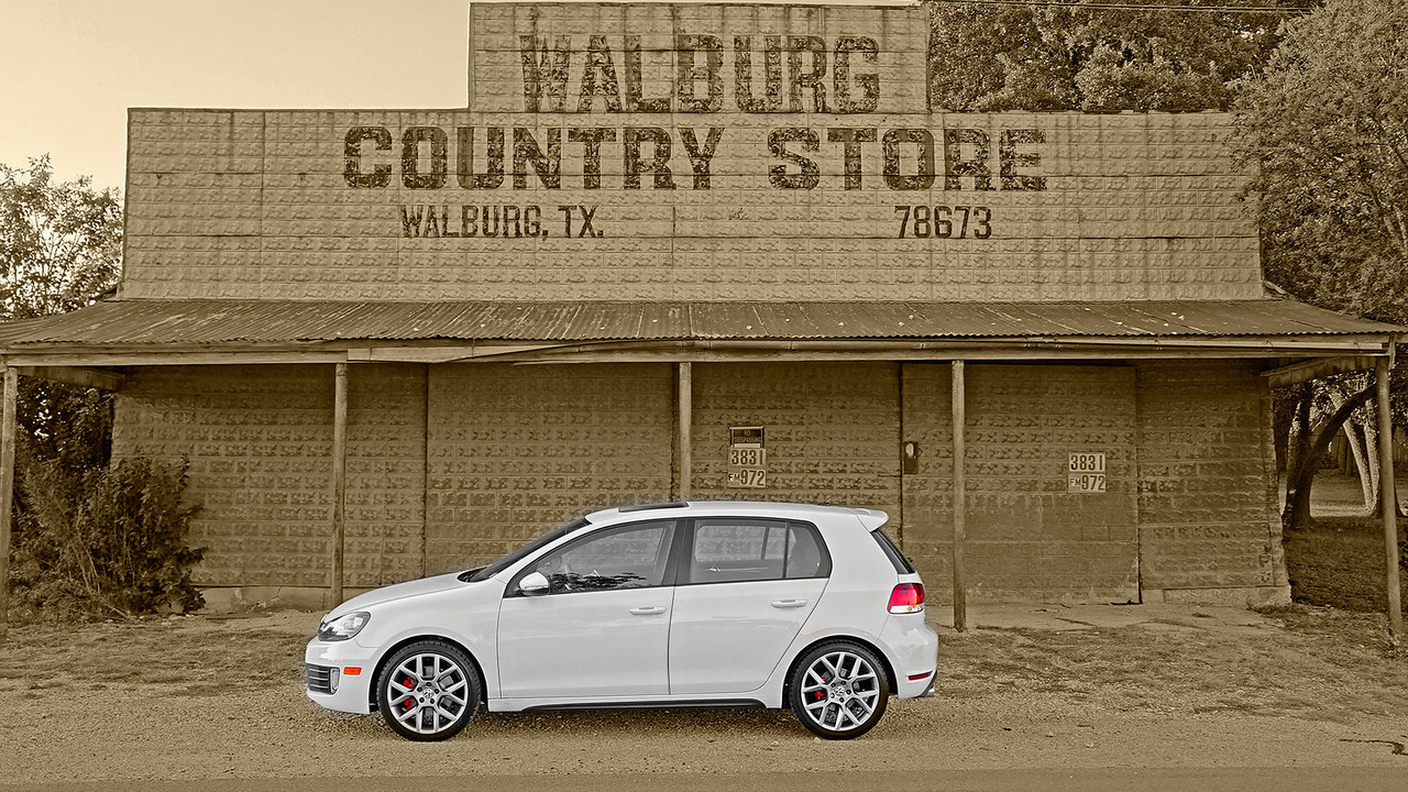 2013 VW GTI in Walburg Texas