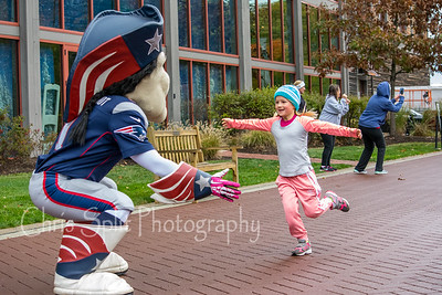 pat patriot hug-1