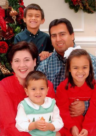 Christmas 2008 - Eli, Lydia, Matthew, Emily and Daniel Leija