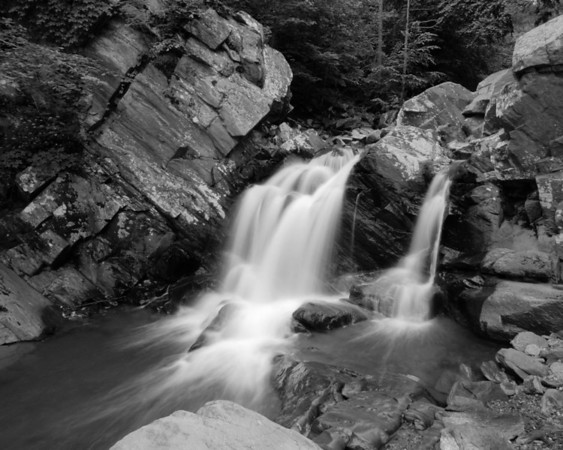 VA IMG_4555 Scotts Run Falls BW_05