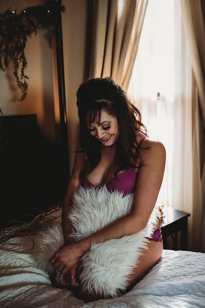 SuzysSnapshots_JenniferBoudoir-6638