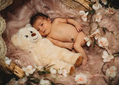 SuzanneFryerPhotography_BrightNewborn-7807