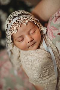 SuzanneFryerPhotography_BrightNewborn-7910