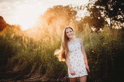 SuzanneFryerPhotography_SammyFinleySeniorPhotos-7260