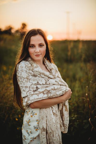 SuzanneFryerPhotography_SammyFinleySeniorPhotos-7696