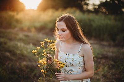 SuzanneFryerPhotography_SammyFinleySeniorPhotos-7458