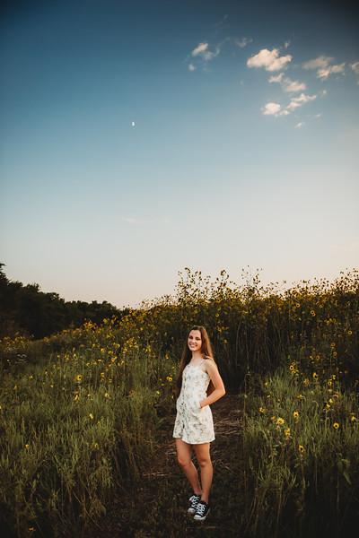 SuzanneFryerPhotography_SammyFinleySeniorPhotos-9923