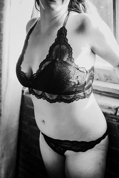 SuzysSnapshots_SarahBoudoir-9239-2