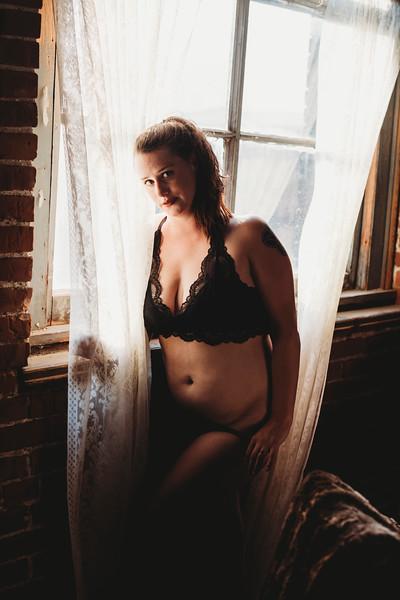 SuzysSnapshots_SarahBoudoir-9145