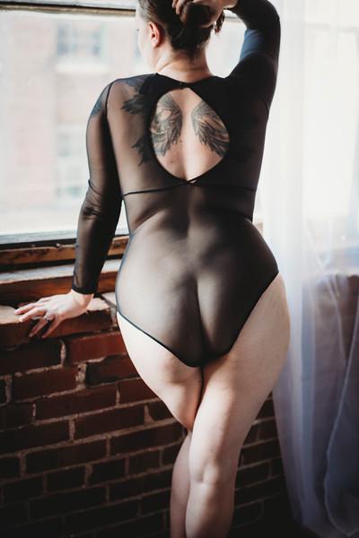 SuzysSnapshots_SarahBoudoir-8610