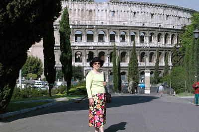 Pat in front of the Colosseum