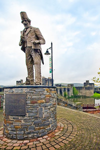 Tommy Cooper Statue at Caerphilly Castle in South Wales 12