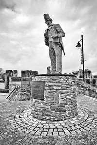 Tommy Cooper Statue at Caerphilly Castle in South Wales 13