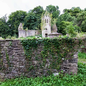 The Church of St Mary the Virgin in Tintern 01