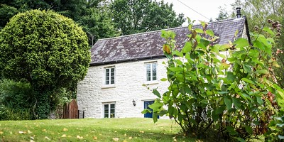 Tintern Abbey Cottage in Tintern, South Wales 08