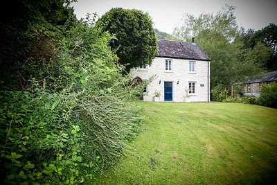Tintern Abbey Cottage in Tintern, South Wales 12