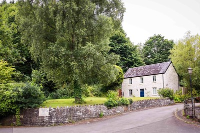 Tintern Abbey Cottage in Tintern, South Wales 01