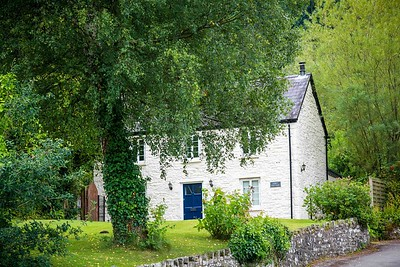 Tintern Abbey Cottage in Tintern, South Wales 06