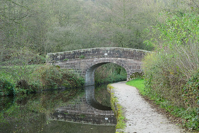 A walk along Caldon Canal
