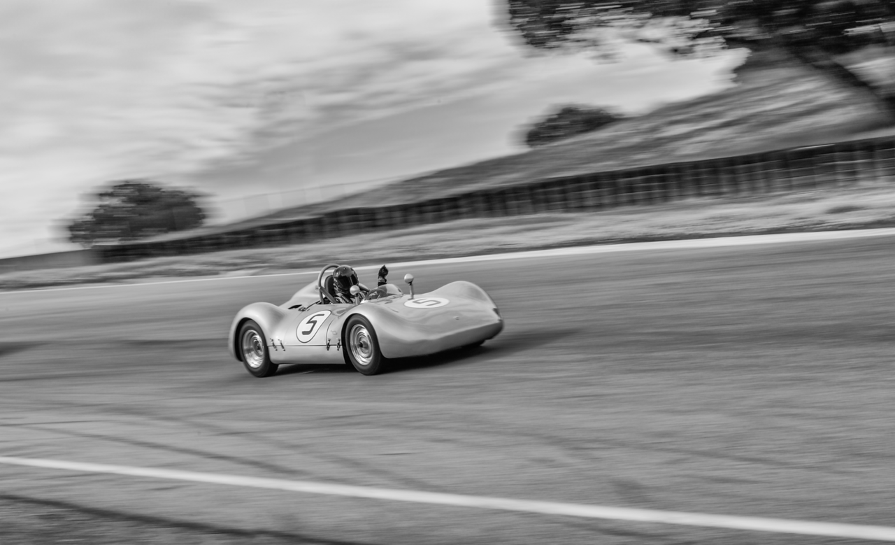 Porsche Spyder in motion