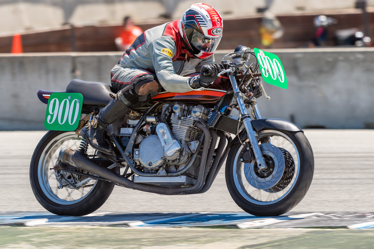 Kevin McGee opens up the throttle on 1974 Kawasaki Z1