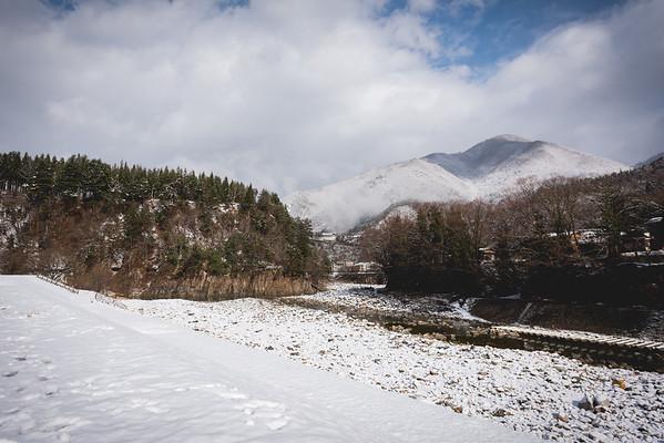 Shirakawa (白川村) snow, houses and dreamy nature
