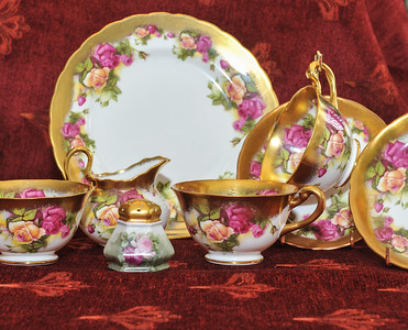 Royal-Chelsea-Golden-Rose-Cup-and-Saucer-Heavy-Gilt