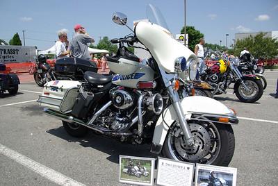 Hooters Bike Show