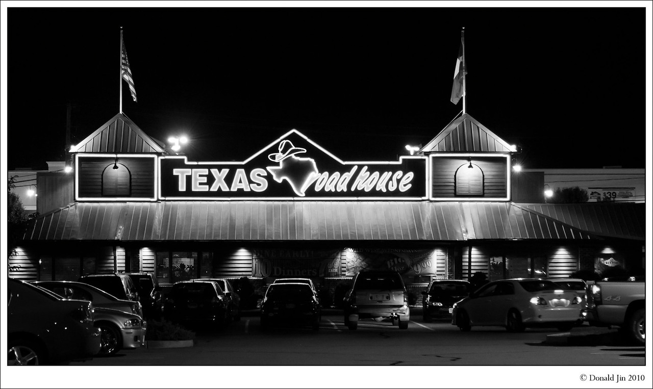 """Day 40:  Baby Back<br /> This place is loud, rowdy and scores very high on the """"cheesiness"""" meter.  They play awful country music (redundant, I know…) way too loud and worst of all, every thirty minutes or so, all the waitresses line up in the middle of the restaurant and line dance.  So why do I keep coming back to this place?  It's their ribs.  New England isn't known for serving up good ribs.  I have never tried anything else in this restaurant so I can't speak for their steaks or any other items on the menu.  However, their ribs are pretty darn good.  They are crispy outside, meaty, but not fatty, covered with tangy BBQ sauce but not smothered.  It's worth suffering through their hokey country theme décor, bad music, and stumping waitresses."""
