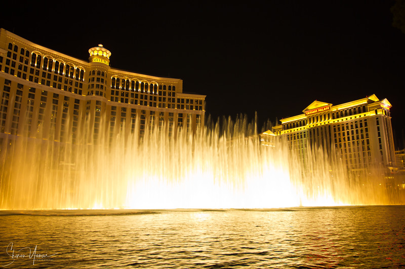 The fountain in front of the Bellagio hotel at night, Las Vegas, Nevada, USA
