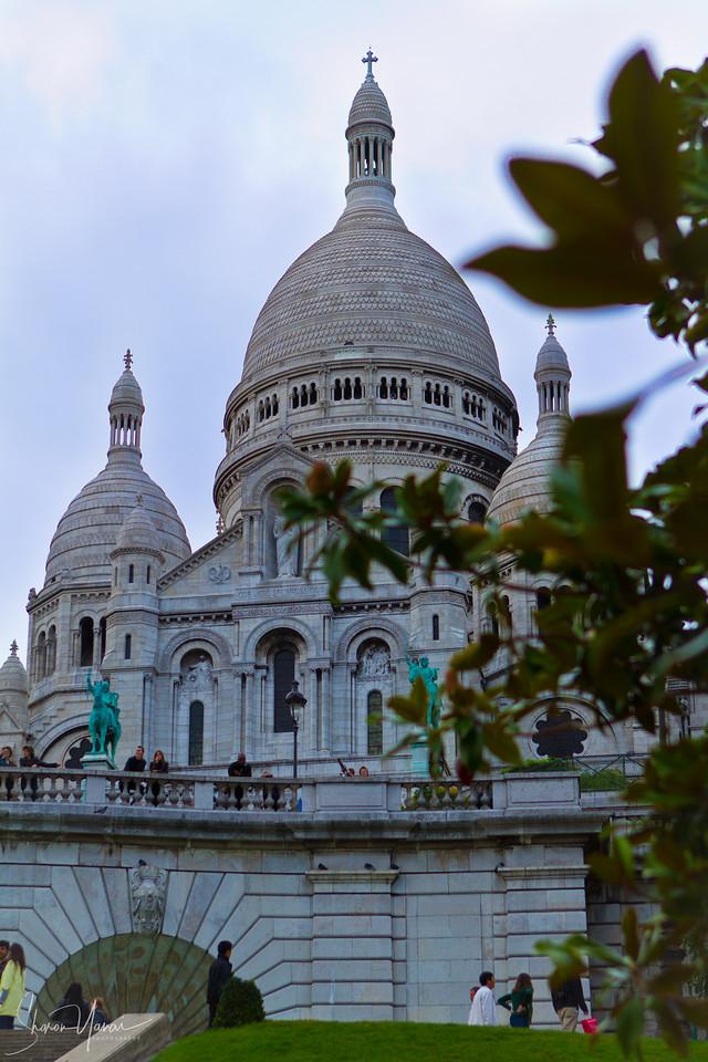 The Basilica of the Sacred Heart of Paris (Sacré-Cœur Basilica), Paris, France