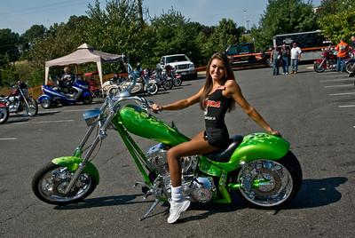 Hooters Fredericksburg_092009_0001