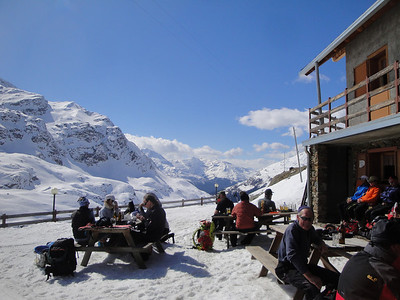 Arriving to the festive atmosphere of the Brenva Hut