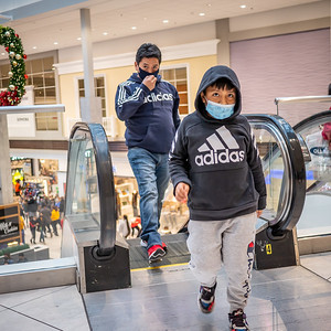 112720_1173_Shoppers