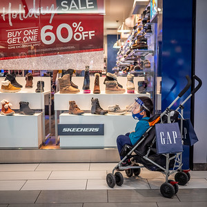 112720_1144_Shoppers