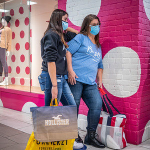 112720_1049_Shoppers