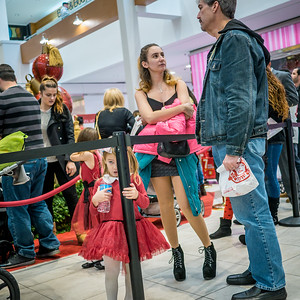 120416_3783_Shoppers