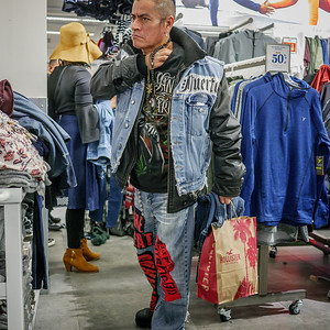 121717_9837_Shopping