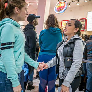 121816_5804_Shoppers